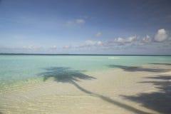 热带海岛和沙子海滩异乎寻常的旅行 免版税图库摄影