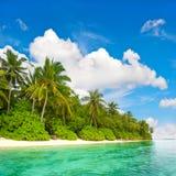 热带海岛海滩风景  免版税库存图片