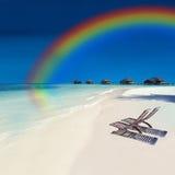 热带海岛的彩虹 免版税库存照片