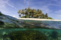 热带海岛的海洋 库存图片