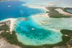 热带海岛从上面 库存图片