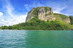 热带海湾的山 免版税图库摄影