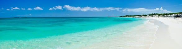 热带海滩古巴的全景 库存照片