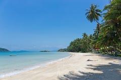 热带海滩的沙子 免版税库存图片