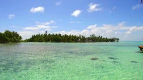 热带海滩的盐水湖在法属波利尼西亚 影视素材