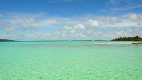 热带海滩的盐水湖在法属波利尼西亚 股票录像