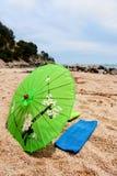 热带海滩的遮阳伞 库存图片