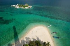 热带海滩的lighthou 库存照片