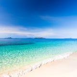 热带海滩的malcapuya 图库摄影
