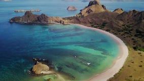 热带海滩鸟瞰图在Padar海岛上的 股票录像