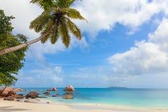 热带海滩Anse拉齐奥,塞舌尔群岛 免版税库存照片