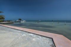 热带海视图Caye填缝隙工,伯利兹 免版税库存图片