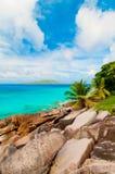 热带海滩。塞舌尔群岛 免版税库存照片
