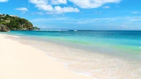 热带海滩在一美好的天 库存照片