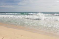 热带海滩在普吉岛海岛 免版税库存照片