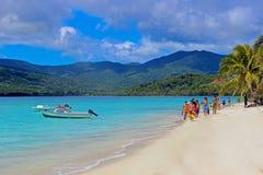 热带海滩在瓦努阿图,南太平洋 免版税库存图片