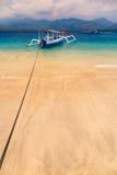 热带海滩小船 免版税图库摄影