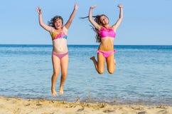 热带海滩幸福 免版税库存照片
