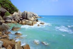 热带海滩水晶海湾 酸值苏梅岛海岛 免版税库存图片