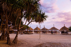 热带海滩的日落 图库摄影