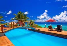 热带海滩的池 图库摄影