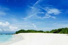 热带海滩- Feydhoofinolhu 免版税图库摄影