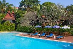 热带游泳池在泰国 免版税库存照片