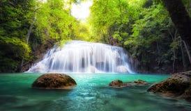 热带瀑布在泰国,自然摄影 免版税库存图片