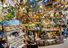 热带纪念品零售店 免版税库存照片