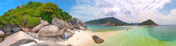 热带美好的海岛的全景 库存图片