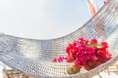 从热带花的婚礼花束在自然backgroun 免版税库存照片