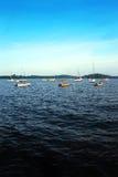 热带蓝色小船的海运 免版税库存图片