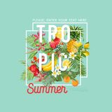 热带设计用异乎寻常的果子 夏天构成用菠萝、香蕉和棕榈叶织品的, T恤杉 图库摄影