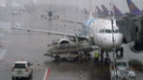 热带雨在机场 股票视频