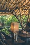 热带餐馆有海视图 晴朗的日 文本的空间 巴厘岛 免版税库存图片