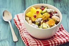 热带水果沙拉 免版税库存图片