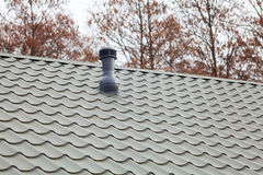 热度控制的一个屋顶通风设备 免版税库存照片