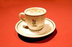 热杯子的浓咖啡 免版税库存照片