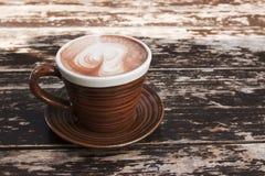 热棕色巧克力的杯子 库存图片