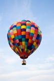 热气球的飞行 免版税库存图片