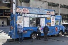 热狗卡车在市多伦多 库存图片