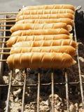 热狗在火车站的食物格栅 库存图片