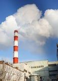 热电厂的冬天视图 免版税库存照片