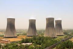 热电厂4个冷却塔俯视图  图库摄影