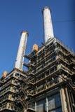 从热电植物的工业烟囱 免版税库存照片