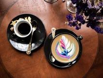 热的咖啡彩虹拿铁顶视图  图库摄影