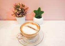 热的咖啡拿铁艺术 图库摄影