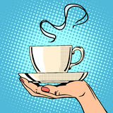 热的咖啡杯妇女手 库存例证