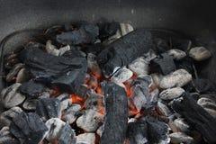 热的引起的烤肉煤炭 免版税库存图片