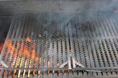 热的火热的烤肉格栅 免版税图库摄影